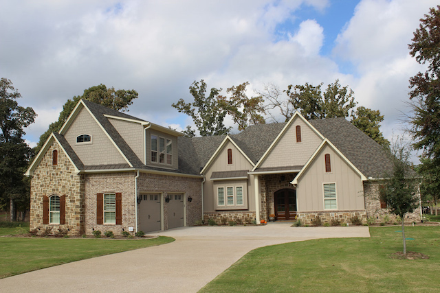 Custom designed and built home at Brown's Landing on Lake Palestine in East Texas ... from Trent Williams Construction, Tyler, Texas