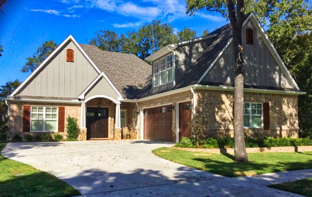 Custom designed and built home at Eagle's Bluff on Lake Palestine in East Texas ... from Trent Williams Construction, Tyler, Texas