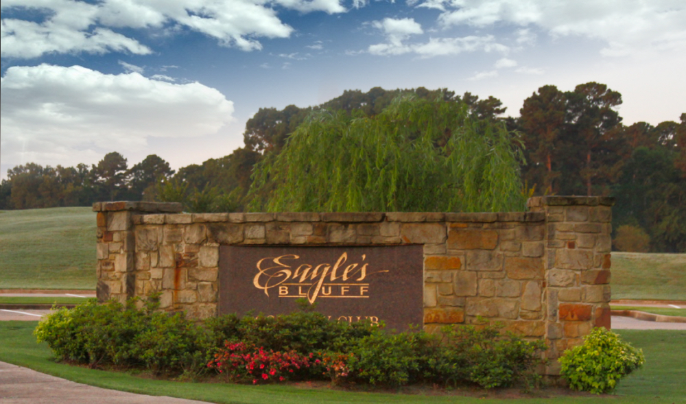 Eagles's Bluff gated home development and Country Club on Lake Palestine