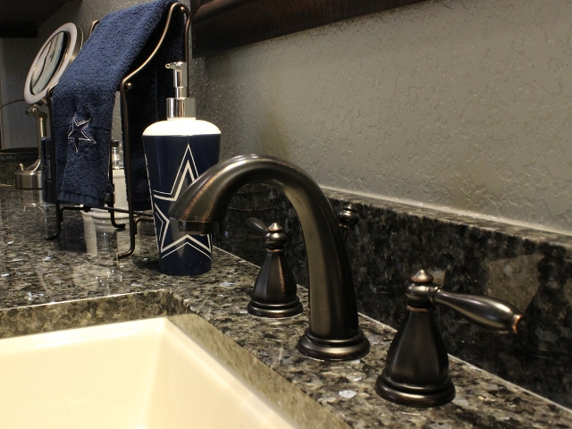 Texas Home Design And Home Decorating Idea Center Bathrooms Features Tubs Showers Colors